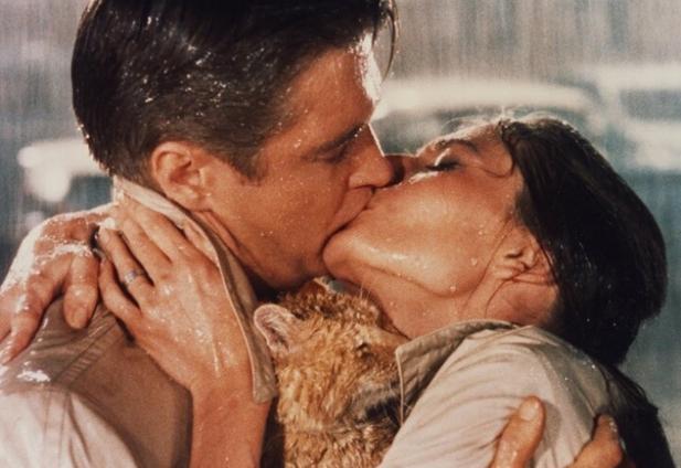 как целоваться в губы