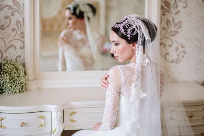 Отражение невестка зеркало