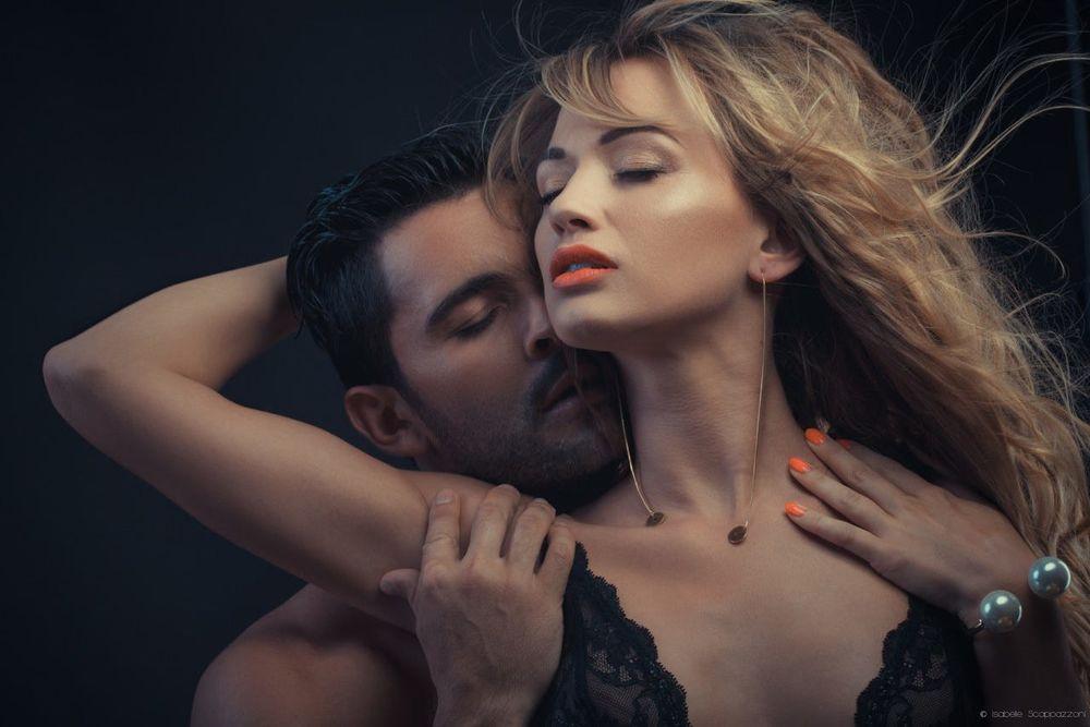 Как правильно возбуждать мужчину рукой?