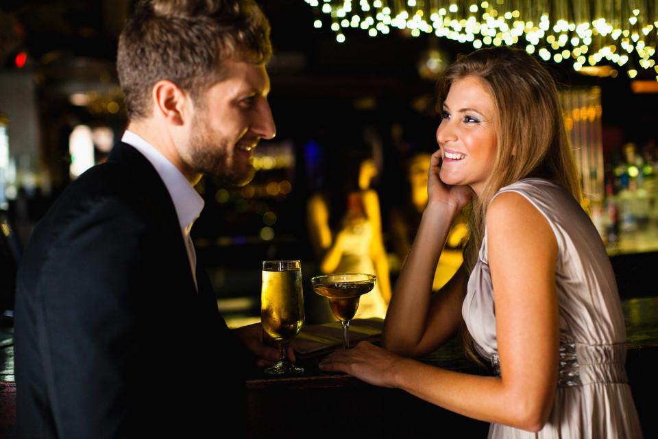 влюбленный парень в девушку
