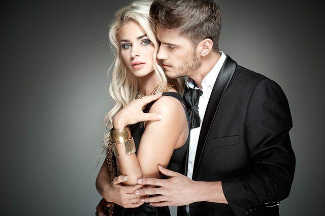 парень скрывает чувства влюбленности