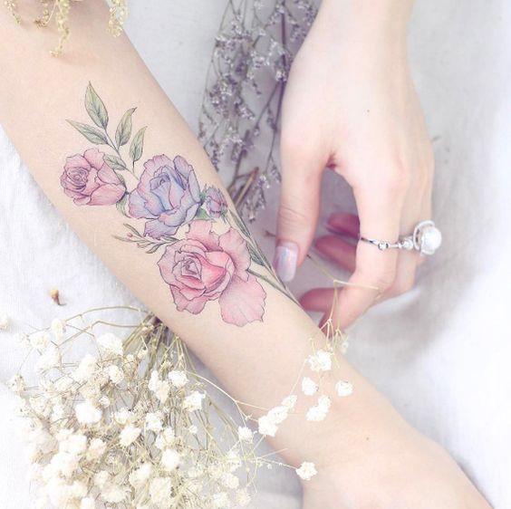 татуировки на запястье мода
