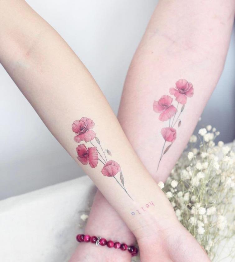 цветные татуировки для девушек